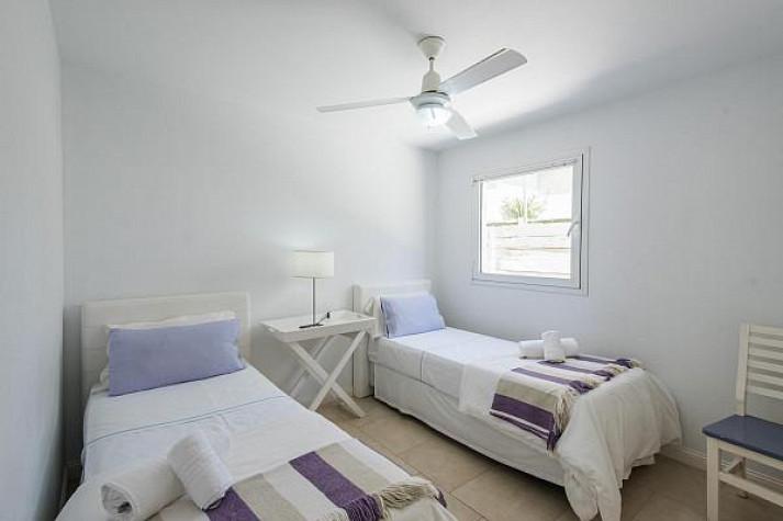 2 camas Habitaciones con placard incluido